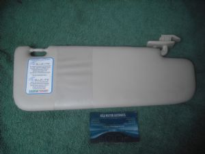 A GENUINE FIAT 500 LOUNGE AND POP MODELS SUNVISOR SUNSHINE SHADE  RH RIGHT SIDE